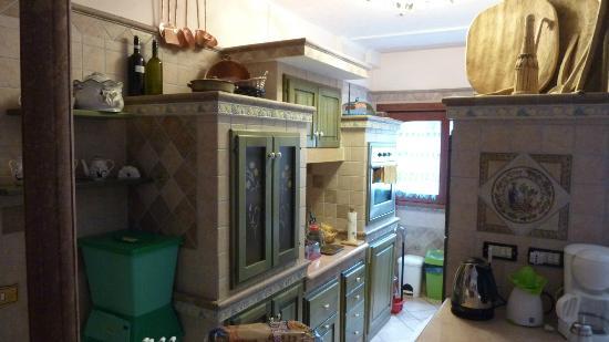 Bed and Breakfast Porto Romano: Kitchen