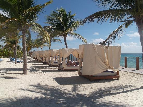 Ocean Maya Royale: beds