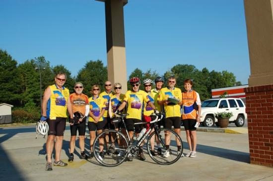 Econo Lodge Inn & Suites: Coastal Bike Touring Club at Rockport Econo Lodge