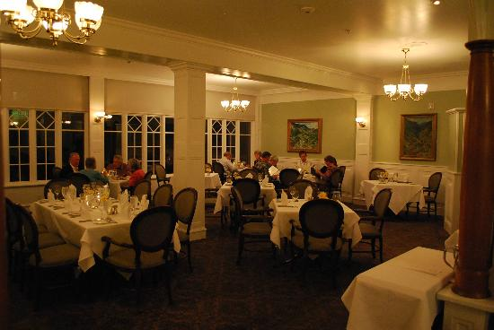 The Cliff House at Pikes Peak: Main dining room