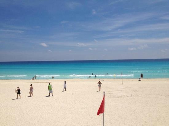 Live Aqua Cancun All Inclusive: Beautiful day! simply breath taking :)