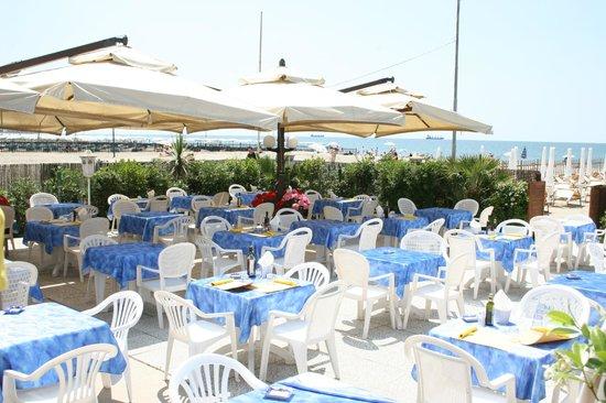 I migliori 10 ristoranti vicino a pensione marinella for Bagno unione marina di carrara