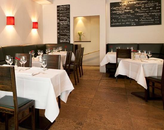 L & I: L&I Bar Restaurant München Innenansicht3