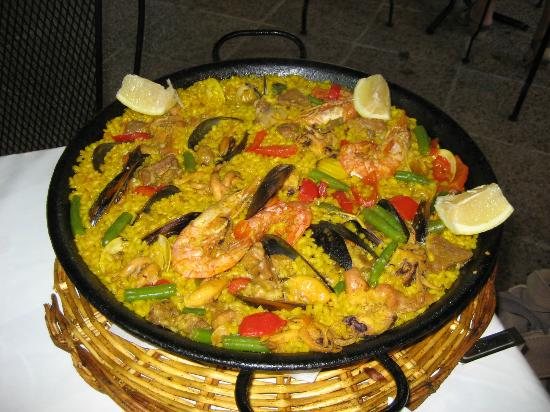 Sol y Sombra: Lovely Paella