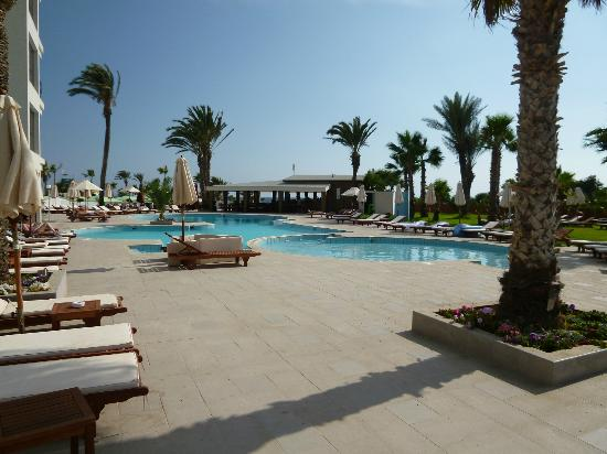 Adams Beach Hotel: Deluxe wing pool