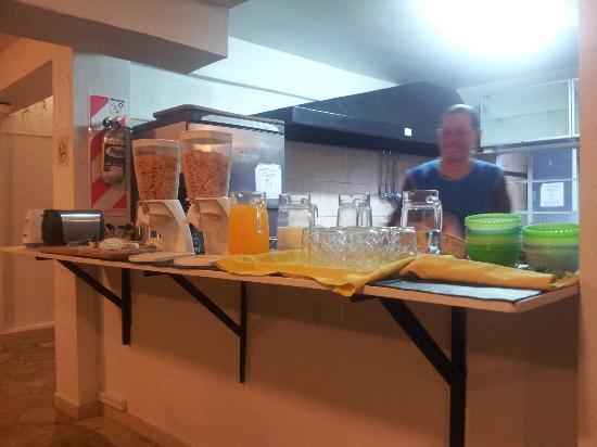 Hostel Los Troncos: Desayuno