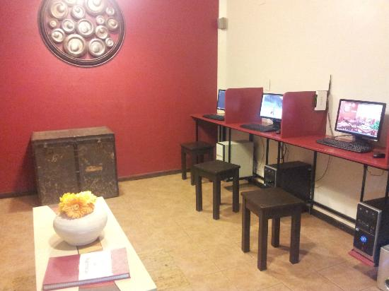 Hostel Los Troncos: Sala de pc