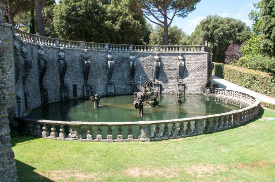Villa Lante: fountains galore!