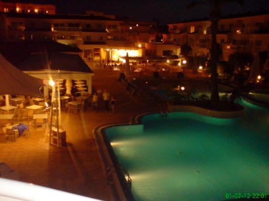 Aparthotel & Hotel Isla de Cabrera: widok nocny