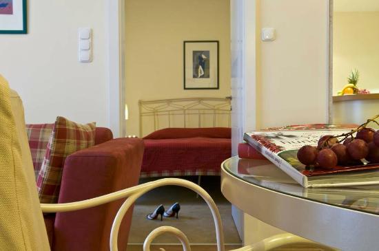 Mamaison Residence Izabella Budapest: Classic Suite