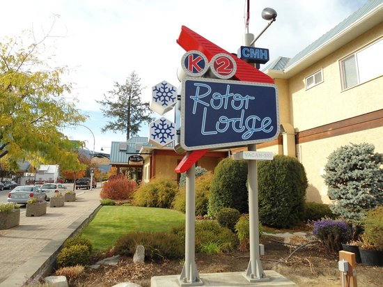 CMH K2 Rotor Lodge: Full service hotel, Restaurant, Sports Lounge, Liquor Store and much more!