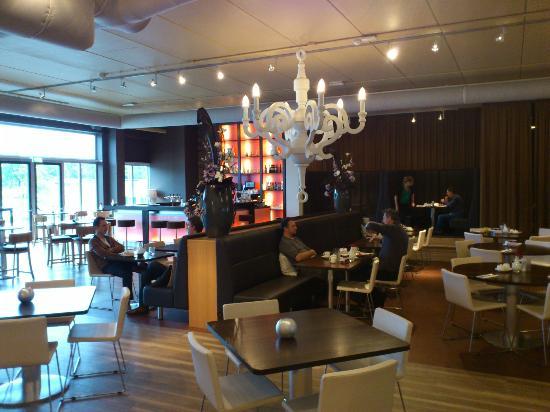 Hotel Lumen: ontbijtzaal
