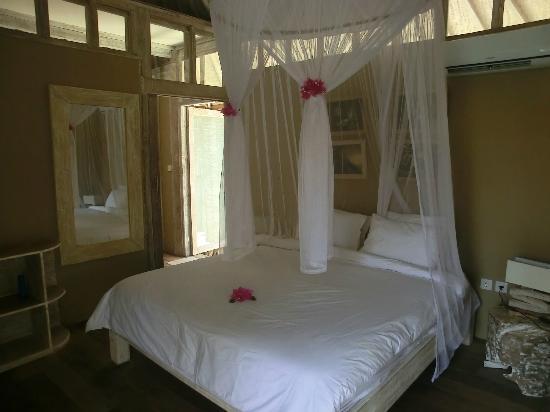 Les Villas Ottalia: chambre