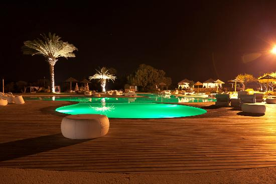Hotel Borgo Pantano: Pool at night