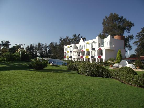 Hacienda Panoaya: vista de el hotel desde los jardines