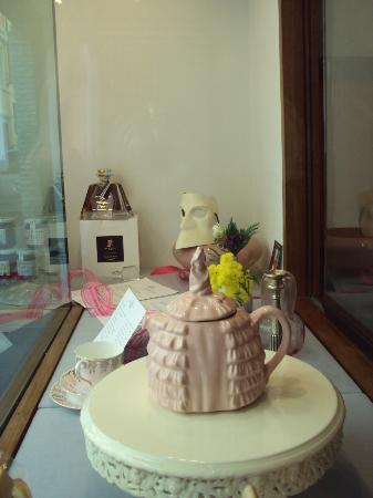 Camelliae Tea Room : vetrina