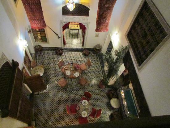 Dar Tamo: Vue du dessus de la salle à manger