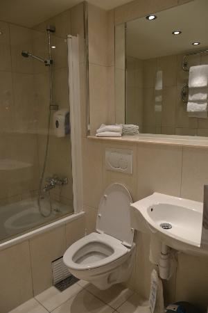 Quality Hotel Sogndal: Bagno