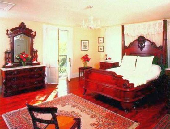 Barrow House Inn: Bedroom of the Peach Suite