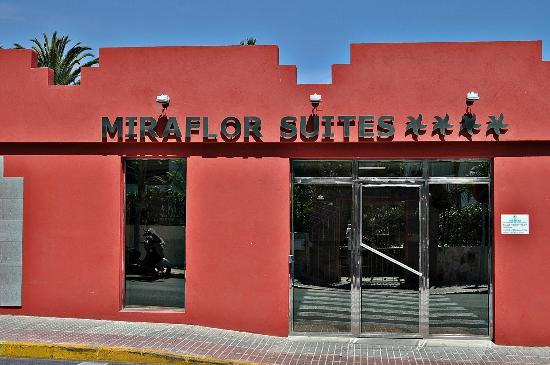 HL Hotel Rondo: Entrada a Miraflor Suites