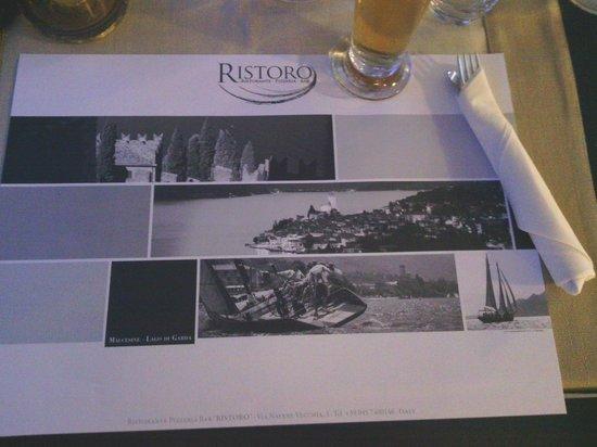 Pizzeria Ristorante Ristoro: Classic, clean decor