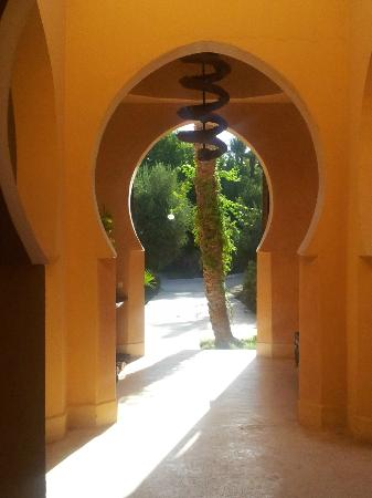 Jnane Tamsna: Inside the entrance to the main house
