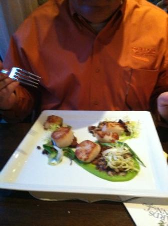 Madison's Restaurant: scallops
