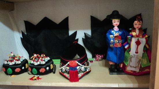 Moon Guesthouse: Hanbok