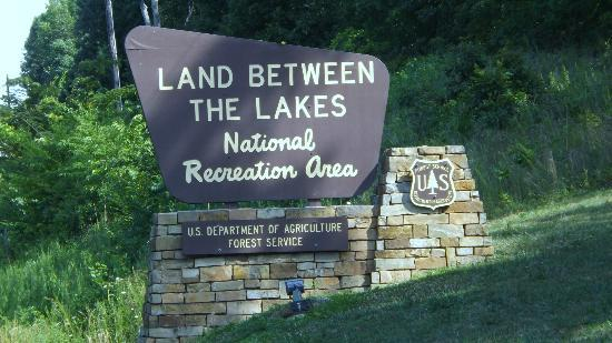 Land Between the Lakes National Recreation Area: Entering Land between the Lakes
