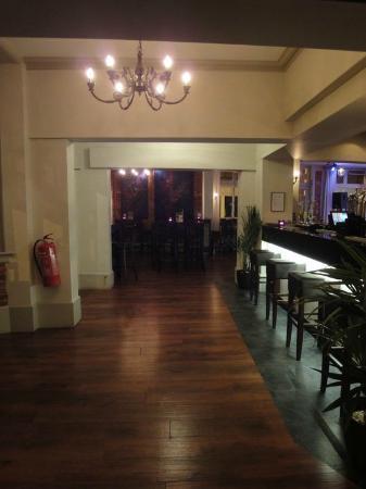 Qudos: The Bar Area