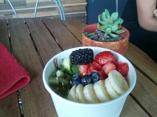 Milk + Honey: my antioxidant acai bowl