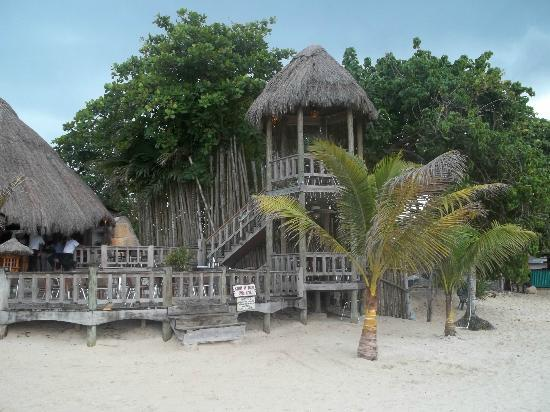 Kuyaba Hotel & Restaurant - Negril: View of restaurant from the beach