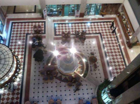 Aleksandar Palace: Loby