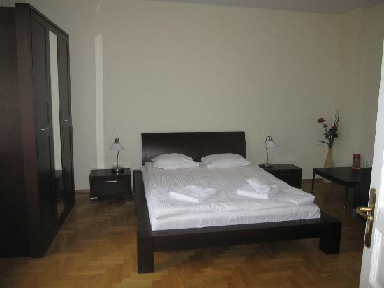 Venetian House Aparthotel : Bedroom