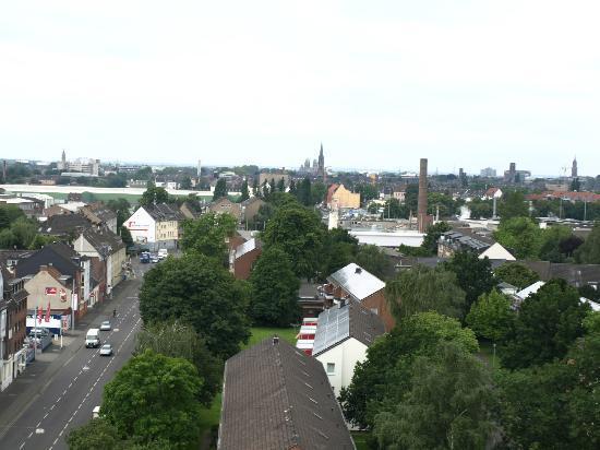 Garden Hotel Krefeld: Blick über Krefeld vom Zimmer aus