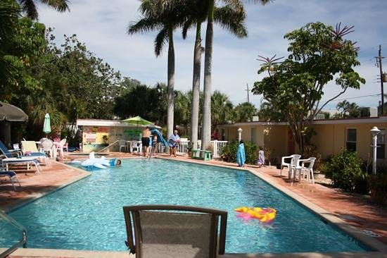Anna Maria Motel & Resort Apartments: Pool