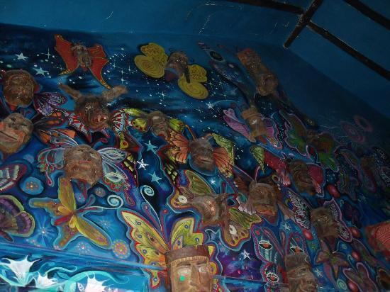 Ukukus: wall decorations
