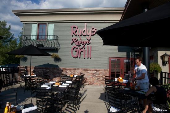 Rudy's Redeye Grill: Rudy's patio
