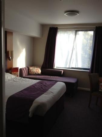 Premier Inn Scarborough Hotel: bedroom