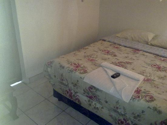 Comfort Corner Guest House : Room 8 Double with Air-conditioned facilities.