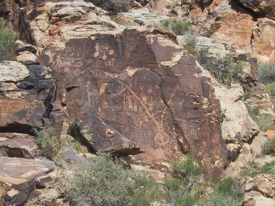 Parowan Gap UT petroglyphs 2012-09-28