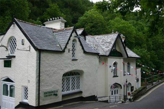 Nartnapa Thai - Cottage Inn: The Cottage Inn