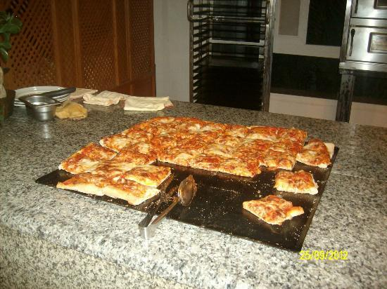 El Mouradi Club Kantaoui: Hot pizza