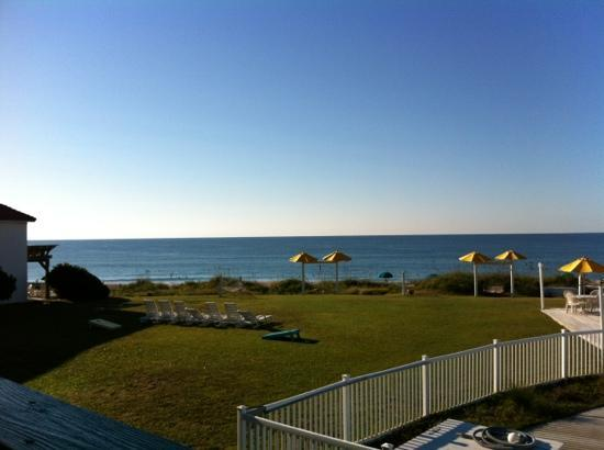 Seahawk Inn & Villas : view from second floor room is perfect, wonderful sounds of surf!