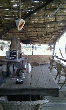 La Mouche Beach Bar
