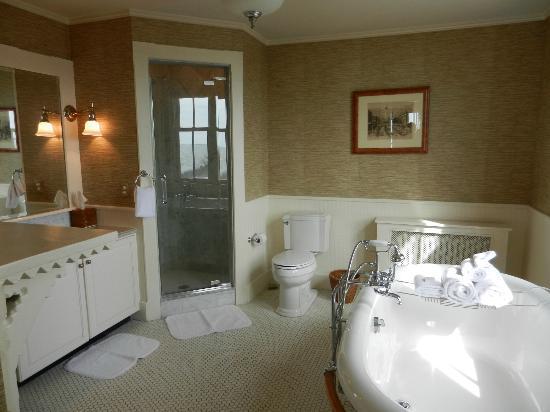 Castle Hill Inn: salle de bain