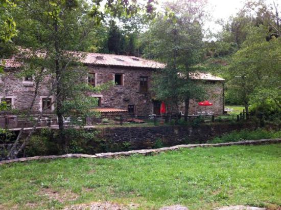 O Muino de Pena: Beautifully quiet location
