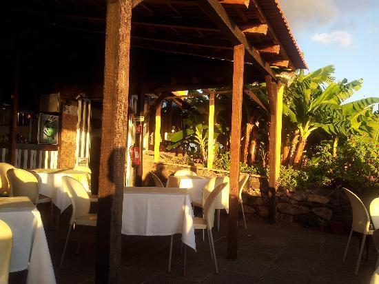Solar Do Piano Restaurant: Restaurant seen from sesside