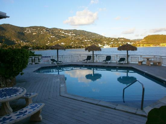 Lindbergh Bay Hotel and Villas : the pool