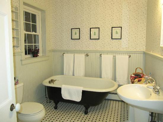 Eddington House Inn: Susie's Bath
